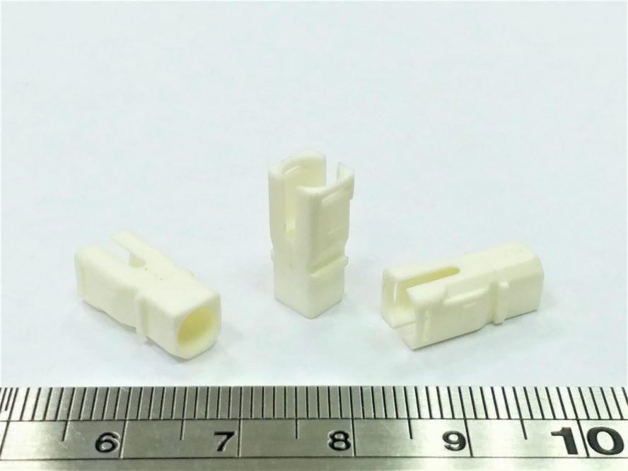 プラスチックス射出成形品